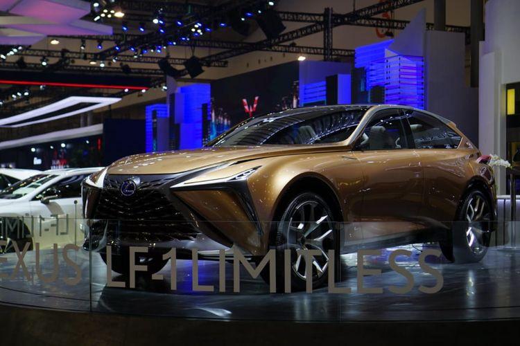 Lexus memperlihatkan mobil konsep LF-1 Limitless di GIIAS 2019