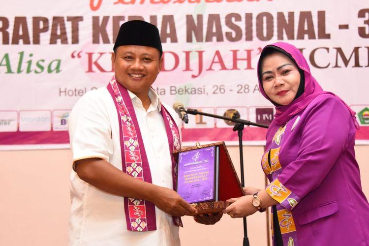Wagub Dorong Pengusaha Muslim Wanita Konsisten dengan Bisnis Syariah