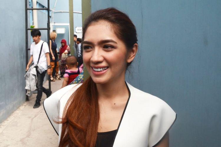 Angel Karamoy ditemui dalam sebuah acara di bilangan Jalan Kapten Tendean, Jakarta Selatan, Senin (3/9/2018).