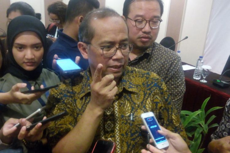 Ketua Dewan Pengarah (Dewas) BPJS Ketenagakerjaan, Guntur Witjaksono memberikan keterangan terkait dugaan pelecehan seksual yang dilakukan anggotanya di Hotel Kartika Chandra, Jakarta, Jumat (11/1/2019).
