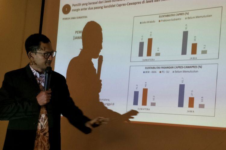 Founder dan CEO Alvara Research Center Hasanudin Ali, saat memaparkan hasil survei di Hotel Oria, Jakarta, Minggu (26/8/2018)