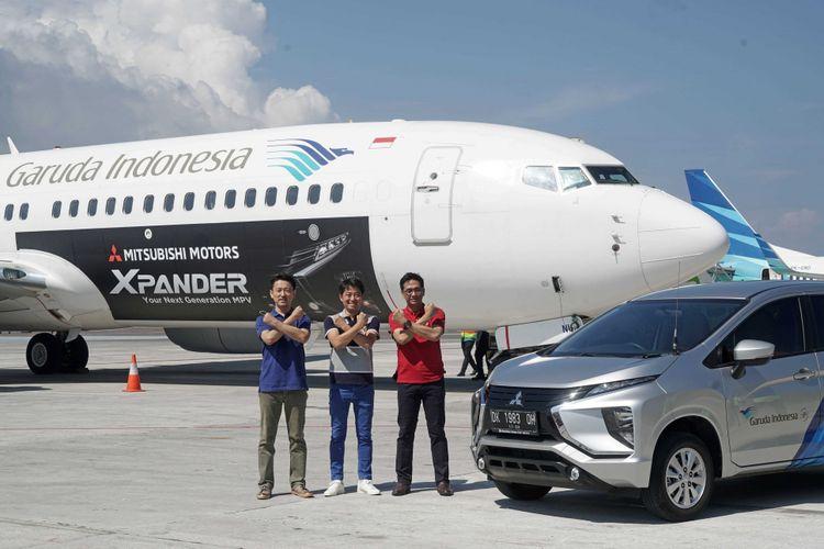 Livery design decal branding Xpander  di pesawat Garuda Indonesia