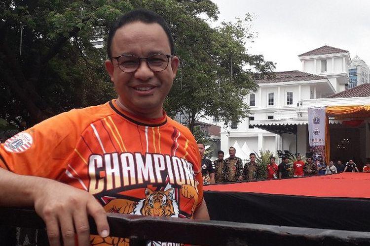 Gubernur DKI Jakarta Anies Baswedan sebelum menyambut tim Persija di Balai Kota, Jakarta Pusat pada Sabtu (15/12/2018).