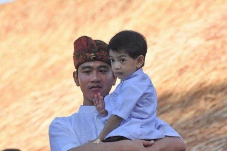 Presiden RI Joko Widodo memboyong keluarga termasuk istri, anak, para menantu, dan cucu-cucunya untuk membuka Pesta Kesenian Bali XLI tahun 2019, Sabtu (17/6/2019). Jan Ethes Srinarendra mencuri perhatian di Bali.