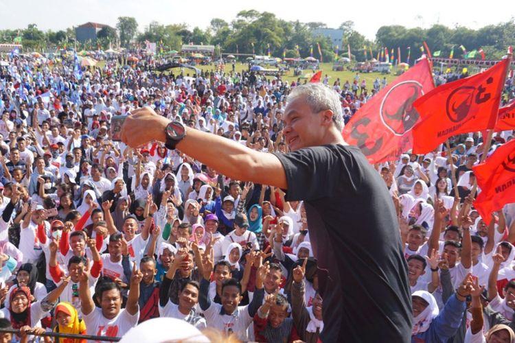 Gubernur Jawa Tengah nonaktif, Ganjar Pranowo saatkampanye terbuka di Lapangan Kuripan, Kecamatan Purwodadi, Kabupaten Grobogan, Jateng, Minggu (6/5/2018) pagi.
