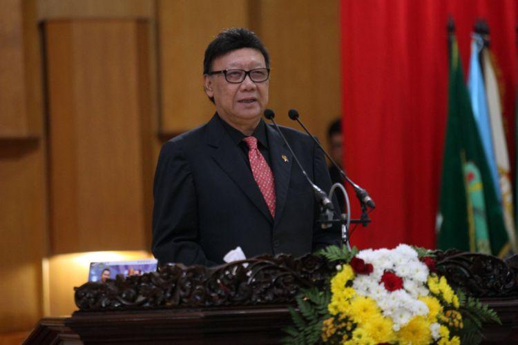 Mendagri Tjahjo Kumolo saat memberikan sambutan dalam acara hari jadi Provinsi Sumsel ke 72 tahun di Palembang, Sumatera Selatan