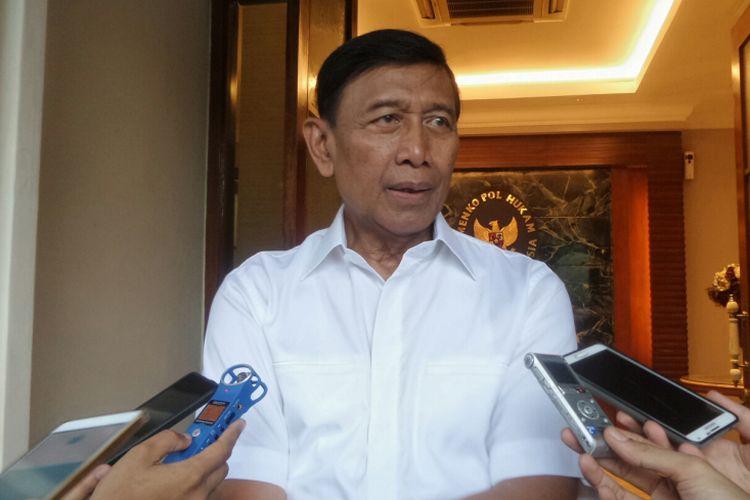 Menteri Koordinator Bidang Politik, Hukum dan Keamanan Wiranto saat ditemui di Kemenko Polhukam, Jakarta Pusat, Senin (31/7/2017).