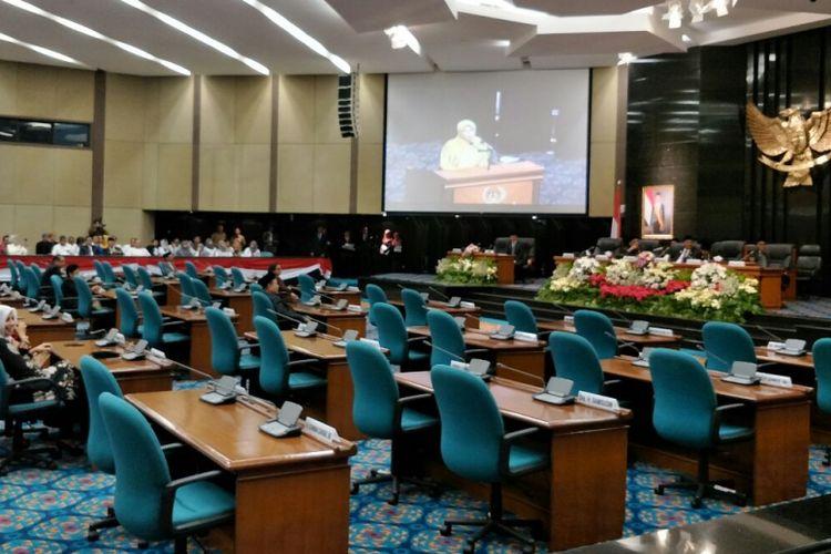 Rapat paripurna pengumuman hasil audit BPK atas laporan keuangan Pemprov DKI Jakarta Tahun Anggaran 2017 di Gedung DPRD DKI, Senin (28/5/2018).