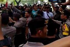 Kronologi Bentrokan antara Massa Pro dan Kontra Jokowi di Medan