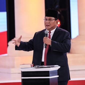 Calon Presiden Nomor Urut 2, Prabowo Subianto menyampaikan gagasannya saat Debat Kedua Calon Presiden, Pemilihan Umum 2019 di Hotel Sultan, Jakarta, Minggu (17/2/2019)