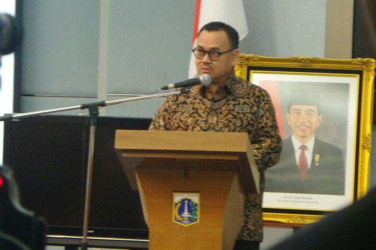 Ketua tim sinkronisasi Anies Baswedan-Sandiaga Uno, Sudirman Said, ketika memaparkan visi dan misi Anies-Sandi di hadapan kepala SKPD Pemprov DKI, di Balai Kota Jakarta, Jumat (2/6/2017).
