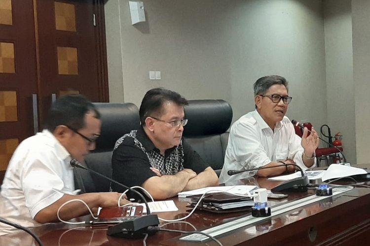 Direktur Jenderal Cipta Karya Kementerian PUPR Danis H Sumadilaga (paling kanan).