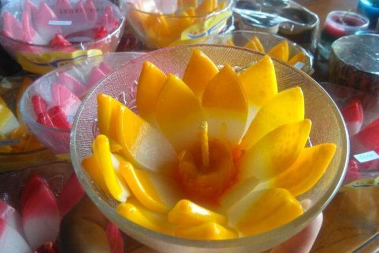 Lilin aromatherapy, salah stau produk kreatif dari peserta Program Keluarga Harapan di Kabupaten Malang.