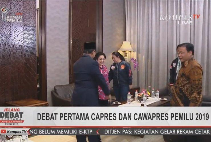 Kala Prabowo Puji Jaket Bomber Timses Jokowi…