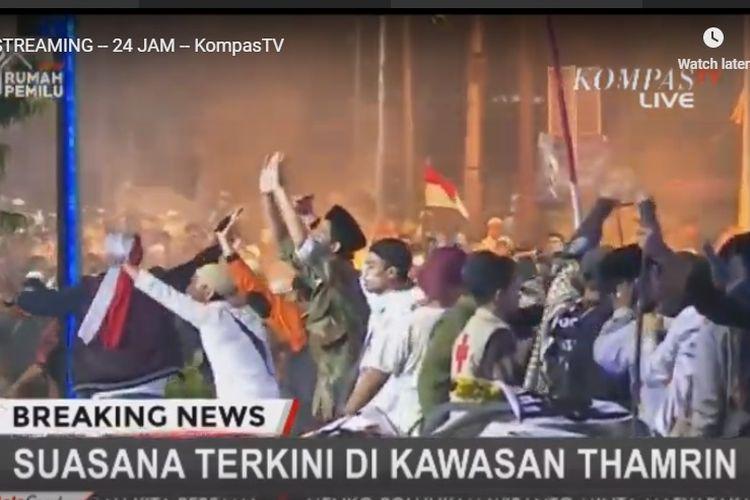 Situasi di depan Gedung Bawaslu, Jakarta, Rabu (22/5/2019) malam.
