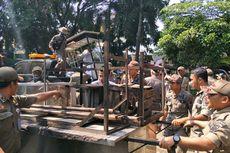 Ganggu Pejalan Kaki, PKL di Pasar Agung Depok Ditertibkan
