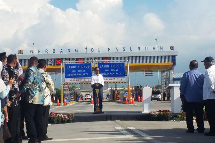 Presiden Republik Indonesia Joko Widodo (Jokowi) meresmikan Jalan Tol Gempol-PAsuruan Seksi 2 Rembang-PAsuruan di Berbang Tol (GT) Pasuruan, Jumat (22/6/2018).
