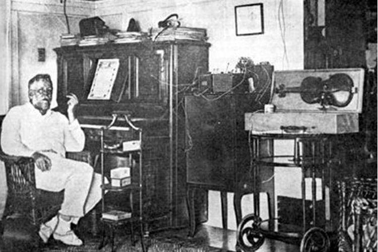 Fessenden dengan pengaturan transmisi radio pertamanya