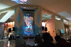 Warga Antusias Tonton Hologram Sejarah Jakarta di Monas