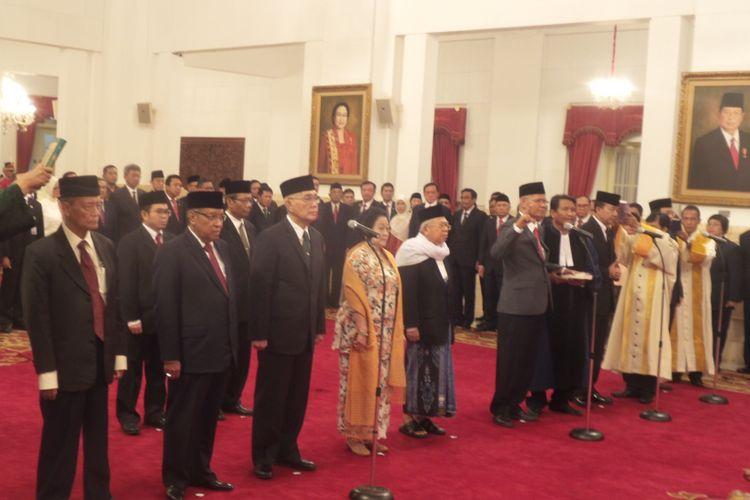 Suasana pelantikan Unit Kerja Presiden Pembinaan Ideologi Pancasila (UKP-PIP) di Istana Negara, Jakarta, Rabu (7/6/2017).