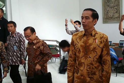 Saat Jokowi Kebingungan di depan Pewarta Istana...