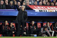 Puji Pelatih Sevilla, Mourinho Legawa Terima Kekalahan MU