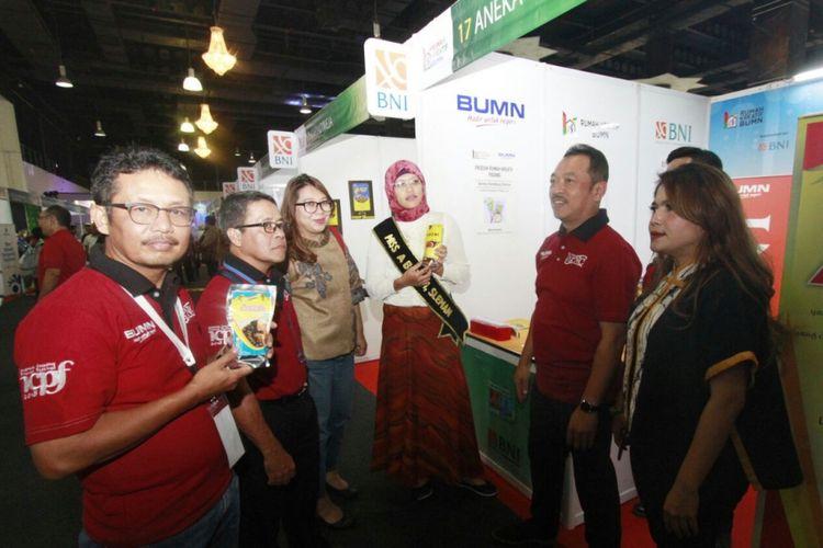 Mitra binaan BNI yang dibawa ke Kuala Lumpur untuk pameran.