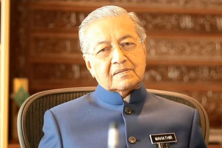 Perdana Menteri Malaysia Mahathir Mohamad saat menyampaikan pesan Selamat Hari Raya Idul Fitri 1439 H. (Facebook/Dr. Mahathir bin Mohamad)