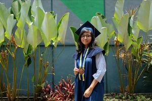 Lulus di Usia 18 Tahun, Kalyana Anjani Jadi Lulusan Termuda ITB