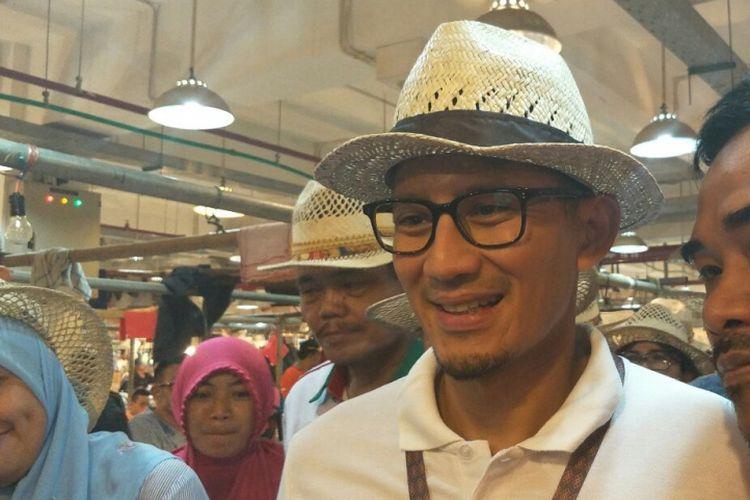 Wakil Gubernur DKI Jakarta Sandiaga Uno bertemu pedagang di Pasar Senen, Senin (11/6/2018).