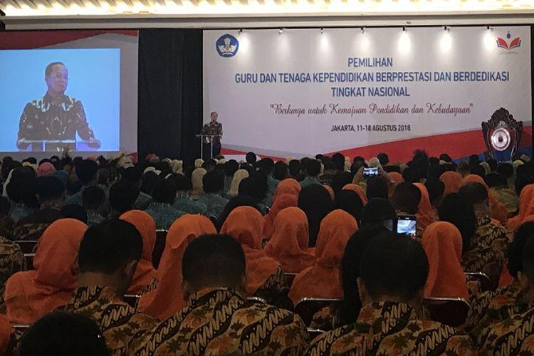 Acara pembukaan Pemilihan Guru dan Tenaga Kependidikan Berprestasi dan Berdedikasi di Hotel Sahid Jakarta, Minggu (12/8/2018)