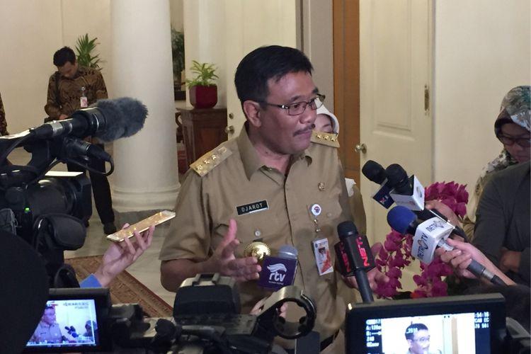 Gubernur DKI Jakarta Djarot Saiful Hidayat saat diwawancara di Balai Kota, Senin (17/7/2017) pagi.