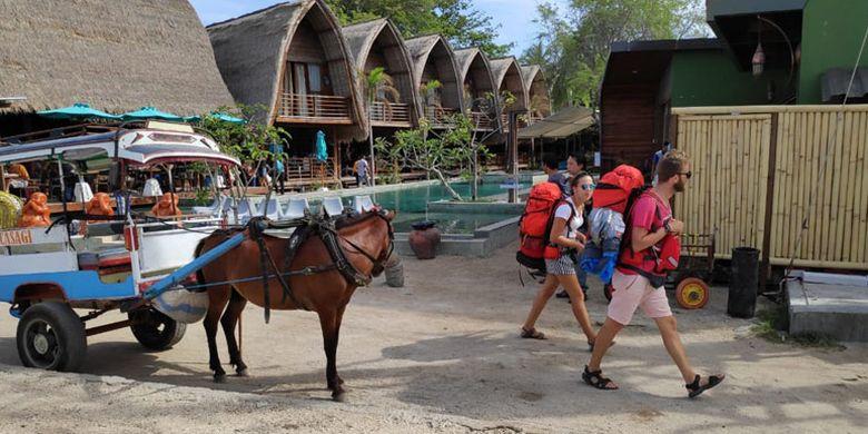 Wisatawan mancanegara di Gili Air, Kabupaten Lombok Utara, Nusa Tenggara Barat, Jumat (23/11/2018).
