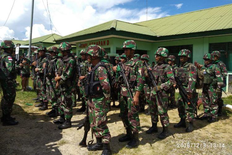 Aparat TNI yang melalukan pengejaran terhadap kelompok KKB di Nduga