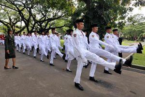 Anggota Paskibraka Jatuh Pingsan Usai Bertugas di Istana