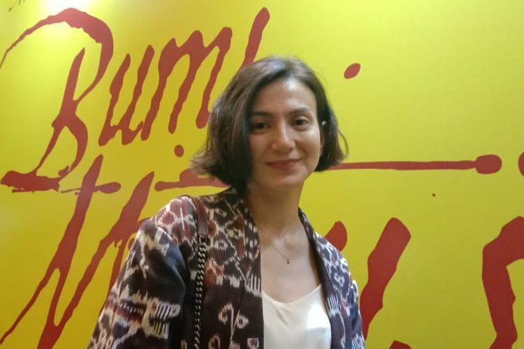 Wanda Hamidah saat menghadiri special screening film Bumi Manusia bersama sejumlah artis di XXI Epicentrum, Kuningan, Jakarta Selatan, Senin malam (12/8/2019).