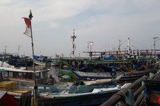 Kapal-kapal Nelayan di Muara Angke Tak Melaut karena Terkendala Izin