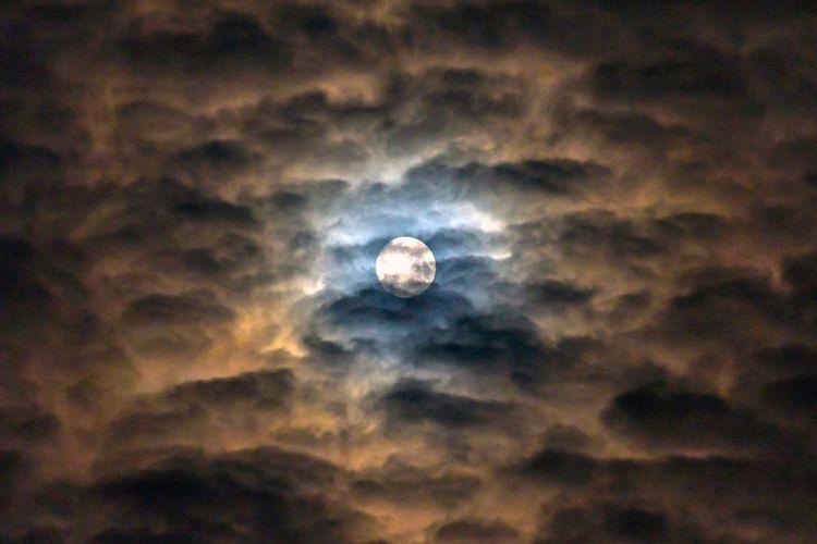 gambar bulan bagus