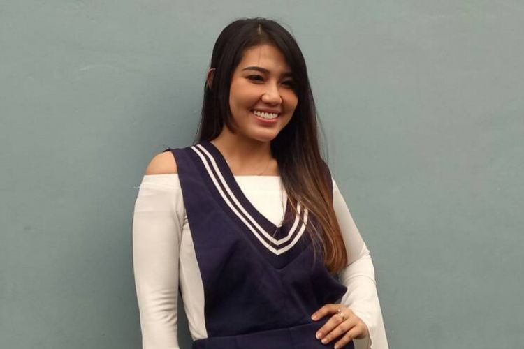 Via Vallen diabadikan di Studio TransTV, Mampang, Jakarta Selatan, pada Senin (29/5/2017).