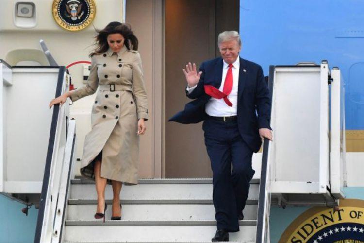 Sepatu Melania Trump jadi sorotan saat temani sang suami, Donald Trump kunjungan ke Belgia. Melania kenakan sepatu hak dengan tinggi 12,1 cm.