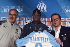 Video Gol Sundulan Balotelli dalam Debut bersama Marseille