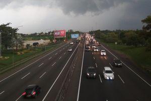 3 Jurus Kemenhub Urai Kemacetan di Jalan Tol Jakarta-Cikampek