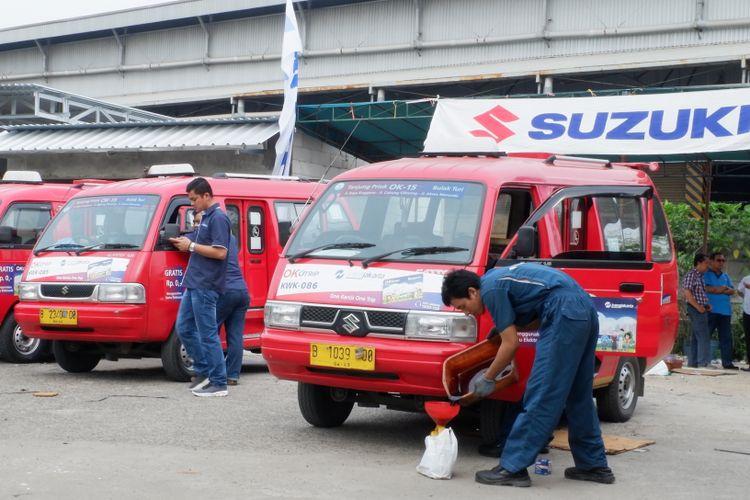Suzuki berikan servis gratis angkot KWK