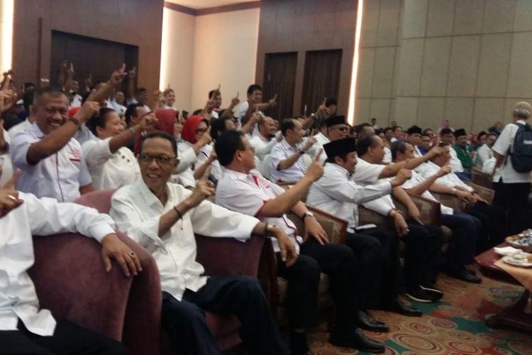 Kepala daerah di Riau saat melakukan deklarasi dukungan terhadap Jokowi di Hotel Aryaduta, Pekanbaru, Rabu sore (10/10/2018).