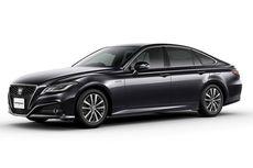 Toyota Crown 2.5 Hybrid Resmi Jadi Mobil Menteri Jokowi