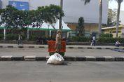 Banyak Sampah, Pemulung di Sarinah Malah Merugi