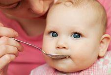 Ini Alasan Dokter Meta Lebih Sarankan MPASI Instan untuk Anak