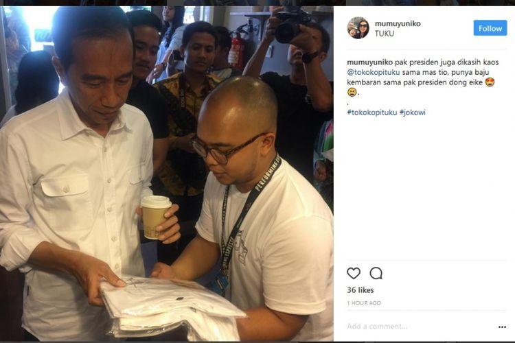 Presiden Joko Widodo dan keluarga mendatangi Kedai Kopi Tuku di Jalan Cipete Raya, Blok B, Jakarta Selatan.