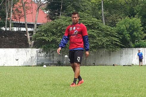 Pihak Arema FC Ungkap Alasan Hamka Hamzah Belum Tanda Tangan Kontrak