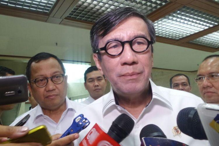 Menteri Hukum dan HAM Yasonna Laoly di Kompleks Parlemen, Senayan, Jakarta, Rabu (12/7/2017).
